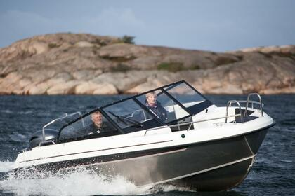 Hire Motorboat Yamarin Cross 62 BR Helsinki