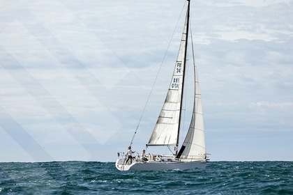 Location Voilier BENETEAU FIRST 34.7 Marseille