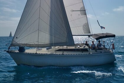 Rental Sailboat Jeanneau Attalia 32 Carnon
