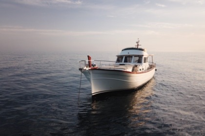 Location Yacht Menorquin Fly 180 Port Mahon