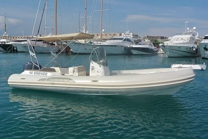 Location Semi-rigide CAPELLI Tempest 700 Antibes