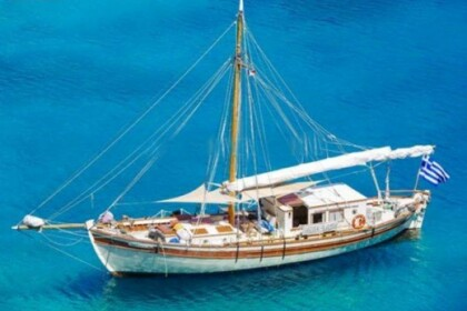 Location Yacht GREEK CLASSIC MOTORSAILER 60 Parikiá