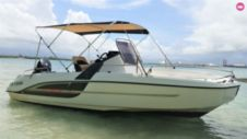 Charter Motorboat Beneteau Flyer 6.6 Spacedeck Le Gosier