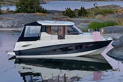 Charter Motorboat Quicksilver Activ 855 Open Stockholm