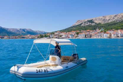 Rental RIB Zodiac Medline 550 Baška