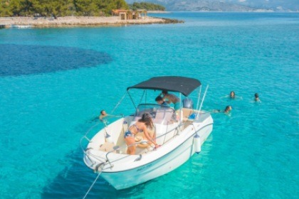 Charter Motorboat KARNIC 2251 OPEN Split