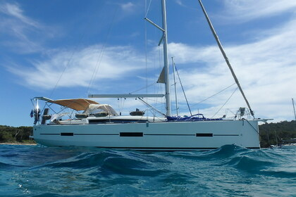 Hire Sailboat Dufour Dufour 412 Grand Large Le Lavandou