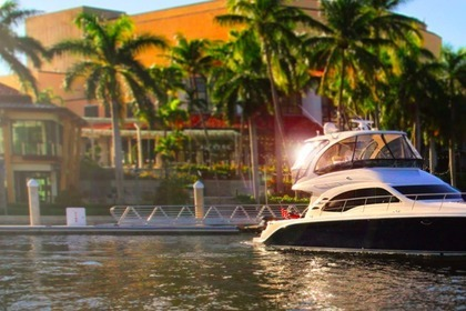 Miete Motorboot SEA RAY 55 flybridge Pompano Beach