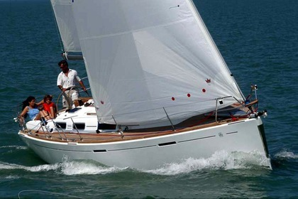Hire Sailboat Dufour 365 GL Hendaye