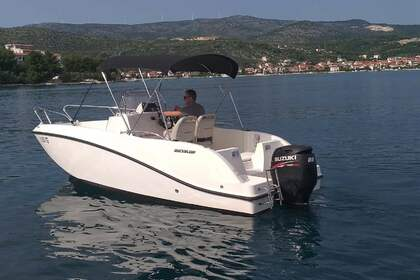 Hire Motorboat QUICKSILVER 555 Activ Trogir