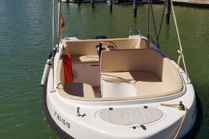 Charter Motorboat Roman Classic Sotogrande