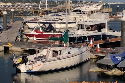 Rental Sailboat Jeanneau Sun 2000 Poole