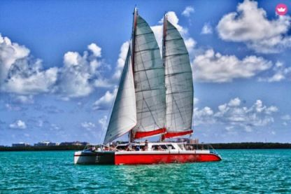 Charter Motorboat Catamaran Custom Miami Beach