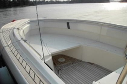 Hire Motorboat Fishing 32 Stockholm