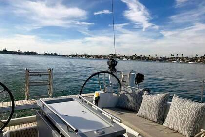 Hire Sailboat BENETEAU OCEANIS 411 Newport Beach