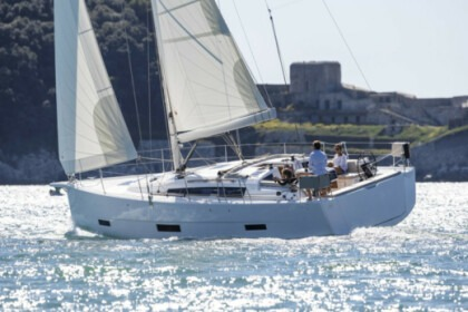 Hire Sailboat Dufour Dufour 430 Portisco