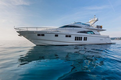 Location Yacht Fairline Squadron 78 Sorrente