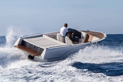 Hire Motorboat Frauscher 686 Lido Gargnano