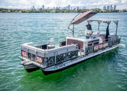 Charter Motorboat Pontoon 30 Miami Beach