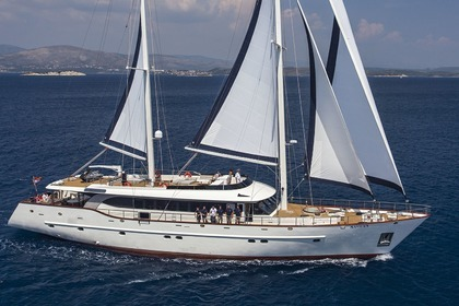 Hire Sailing yacht Custom Sailing Yacht Navilux Split