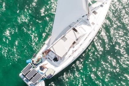 Rental Sailboat Beneteau 42 Miami