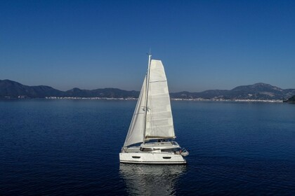 Hire Catamaran FOUNTAINE PAJOT Lucia 40 Maestro Marmaris