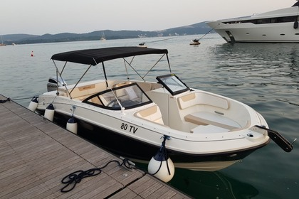 Hire Motorboat Bayliner Vr6 Tivar