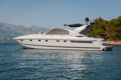 Charter Motorboat Fairline Targa 48 Podstrana