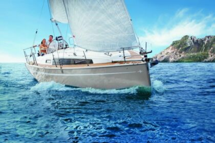 Hire Sailboat Bavaria Bavaria Cruiser 34 Split