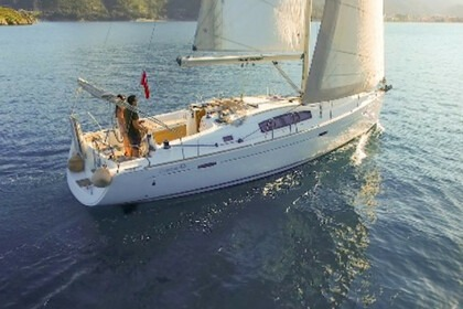 Rental Sailboat Beneteau Oceanis 43 Marmaris