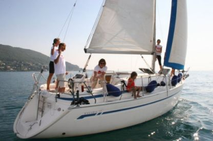 Rental Sailboat Bavaria 31 Cruiser Torri del Benaco