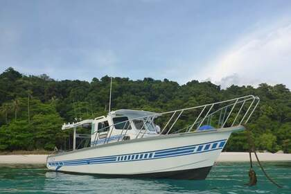Hire Motorboat Custom Local sport fisher D Tioman Island