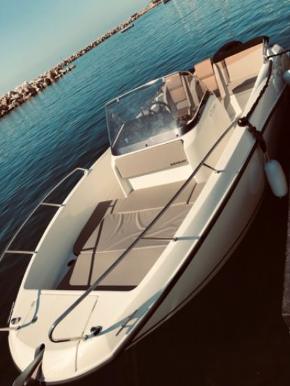 Charter Motorboat Quicksilver Active Open 675 Marseille