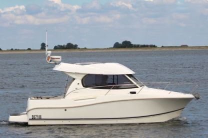 Rental Motorboat Jeanneau Merry Fisher 815 Pornic