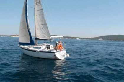 Hire Sailboat ALOHA MARINE ALOA 27 Arradon