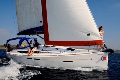 Hire Sailboat Sunsail 41 Road Town