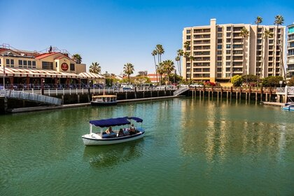 Hire Motorboat Duffy 20 Newport Beach