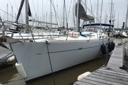 Hire Sailboat Beneteau Oceanis Clipper 473 Nieuwpoort