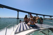 Motorboat Sea Ray 45' for rental