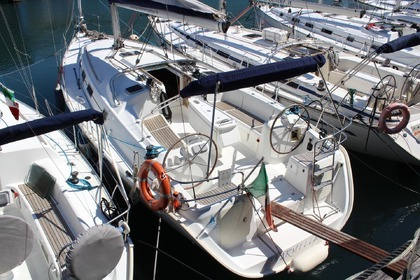 Hire Sailboat Beneteau Cyclades 39.3 Genoa