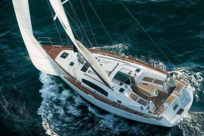 Rental Sailboat Beneteau Oceanis 40 Pasito Blanco