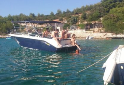 Charter Motorboat Kosanovic Open 10 Split