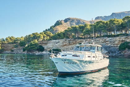 Alquiler Lancha Charter Mallorca Chris Craft Commander 31 Can Picafort