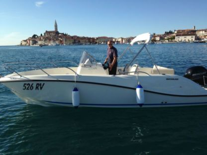 Miete Motorboot Quicksilver 675 Open Rovinj