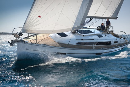 Rental Sailboat Bavaria Cruiser 37 Dyvig