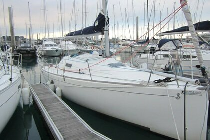 Charter Sailboat BENETEAU FIRST 27.7 Saint-Quay-Portrieux