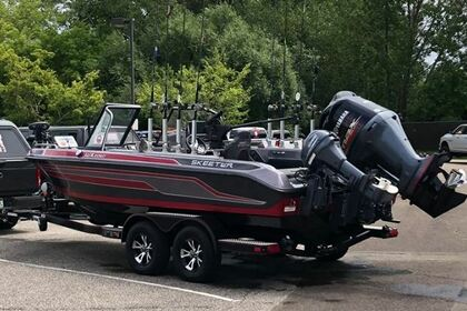 Hire Motorboat Skeeter WX 2200 Erie