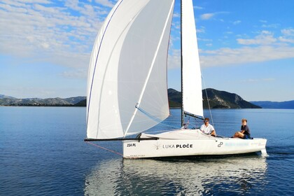 Charter Sailboat Beneteau First 18 Ploče