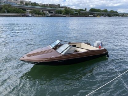 Charter Motorboat Glastron Ssv-164 Paris