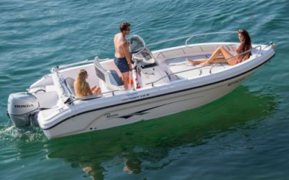 Charter Motorboat Ranieri Voyager 19 S Domaso